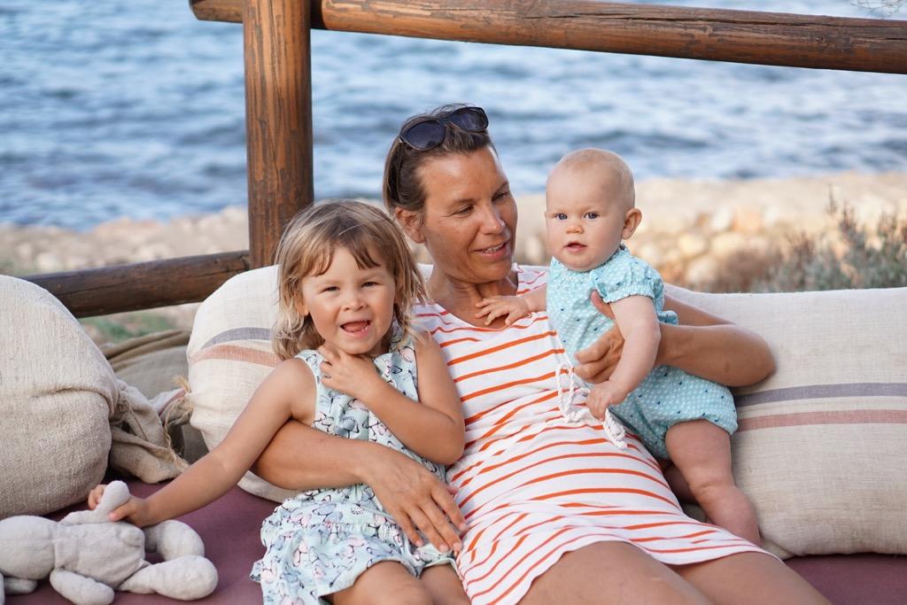 Mamma och döttrar