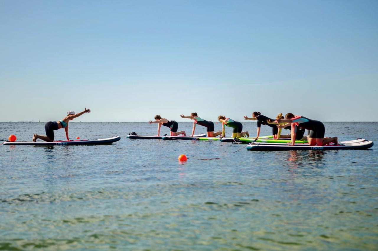 SUP-yoga i grupp